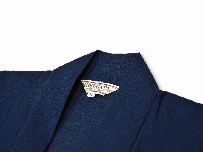 綿麻しじら夏向き作務衣羽織 濃紺衿部分