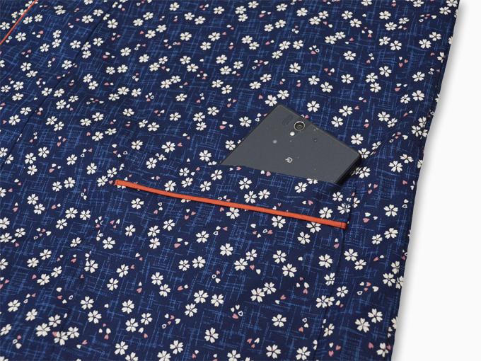 女性総柄作務衣 絣桜(かすりざくら)紺ポケット部分