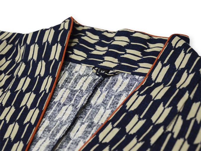 女性総柄作務衣 矢絣やがすり(矢羽根やばね)衿部分