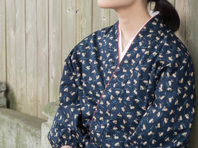 女性総柄作務衣 うさぎ(ウサギ兎)イメージ写真