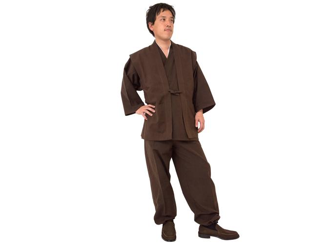 地厚生地作務衣用 羽織 茶(ブラウン)着用写真 ※作務衣は別売りです。