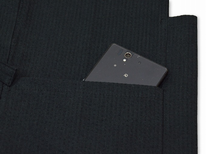 綿麻しじら夏向き作務衣羽織 黒ポケット部分