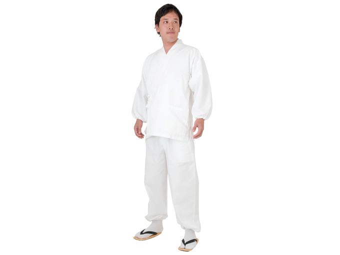 ななこ織作務衣 白 着用写真