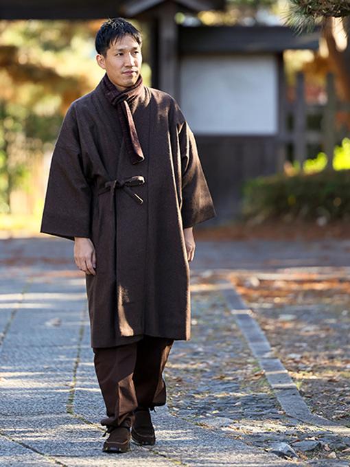 作務衣コート  ※モデルは173cm 体重68kg Mサイズを着用