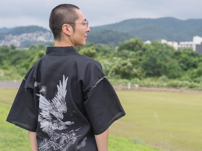 水墨画甚平(日本製)着用イメージ写真
