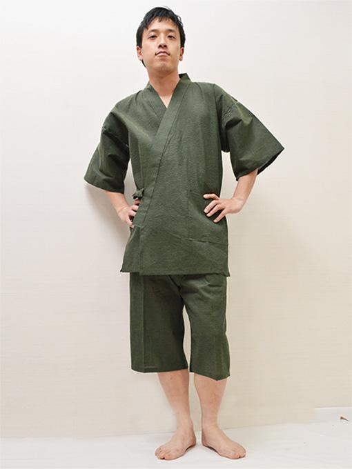 綿しじら甚平(日本製) グリーン モデルは身長173cm 体重68kgでLサイズの甚平を着用しています。