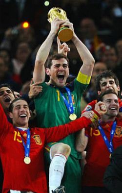 スペインが初優勝