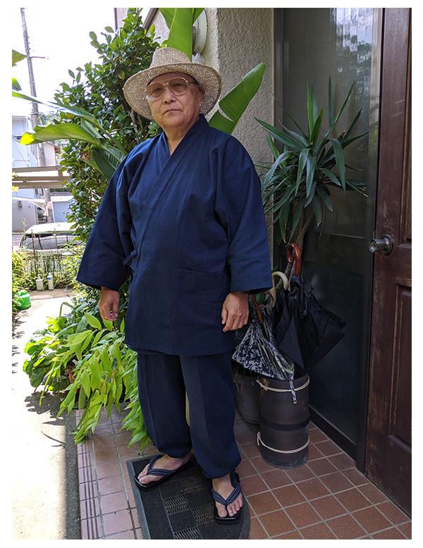 男性用小柄ドビー作務衣 3L 濃紺、刺子鼻緒下駄  LL/体重:90kg、身長:170cm/少し大きめですが、ゆったりしていて着やすい。生地が柔らかく肌触りが良い。