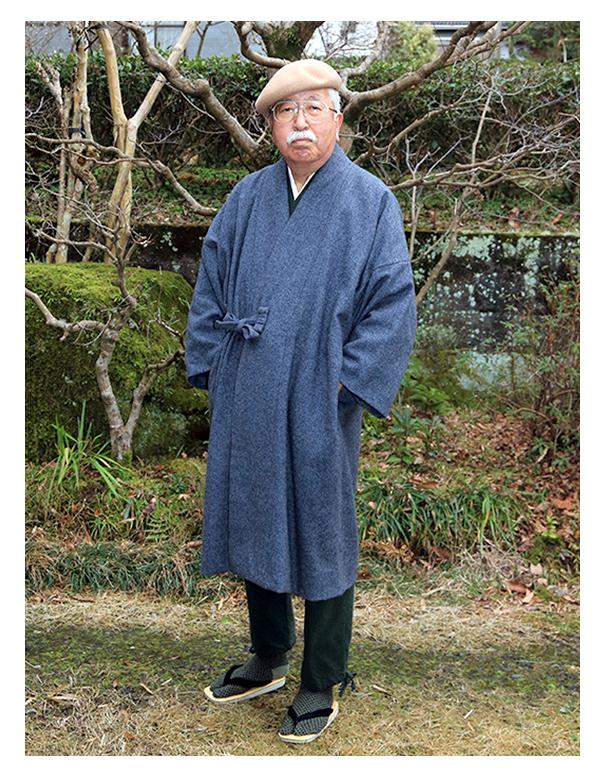 【作務衣コート グレー】作務衣コートを買ってはみたものの着る機会があるのかなと思っていましたが, やっと寒くなり着る機会に恵まれました。