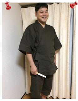 綿麻楊柳甚平・茶色・LLサイズ 身長 170センチ・体重 90kg 軽い!着てないみたいです。