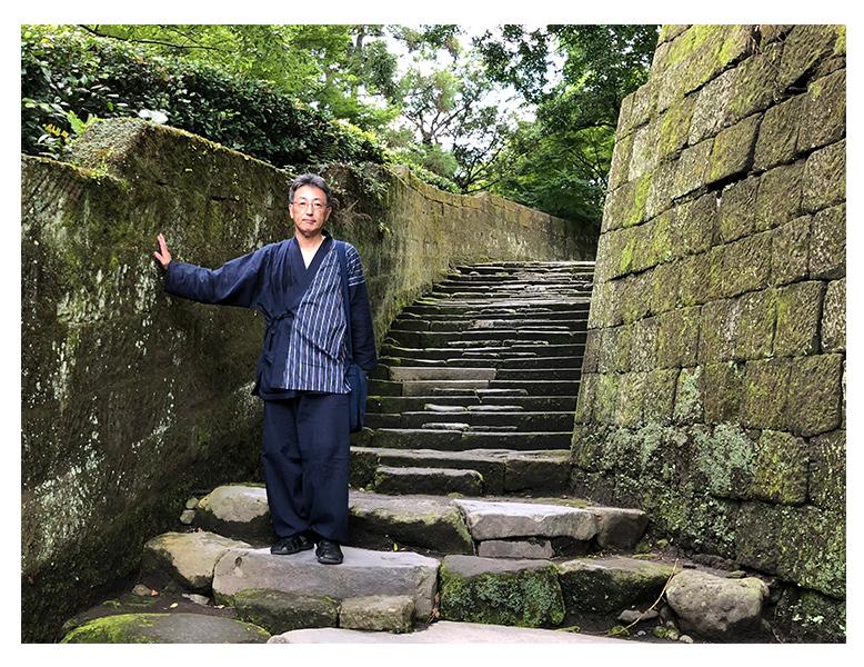 綿麻楊柳デザイン作務衣 濃紺 Lサイズ 刺子頭陀袋 濃紺 ■身長:170cm  体重:75kg ■夏の旅行に着用しました。軽くて、肌触り、通気性も良く、快適な旅ができました。