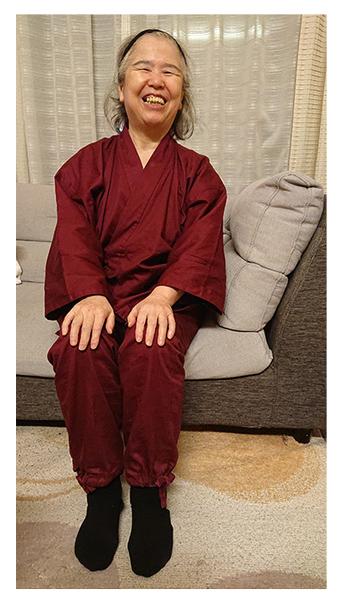 綾織作務衣  No.16 エンジ・S/身長:150cm/着心地がよく、サイズも、体にピッタリです。想像していた以上に温かいです。ズボン丈がきっちり足首まであるのが、気に入っています。